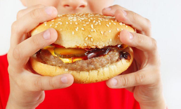tenere-sotto-controllo-il-peso-dei-bambini-aumento-obesita-infantile-2-biochetasi