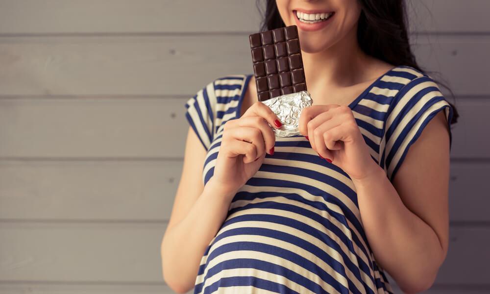 attesa-ancora-piu-dolce-quanto-fa-bene-il-cioccolato-in-gravidanza-1-biochetasi-1000x600